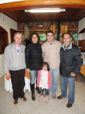 Ari (Pousada Villa da Montanha), Cristiane, Luisa, Thiago, e Amaral.