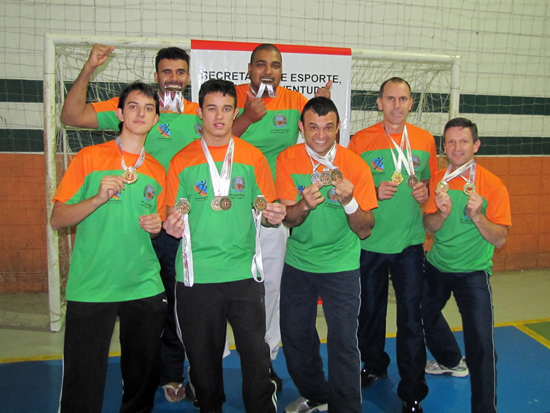 equipe-karate-louveira